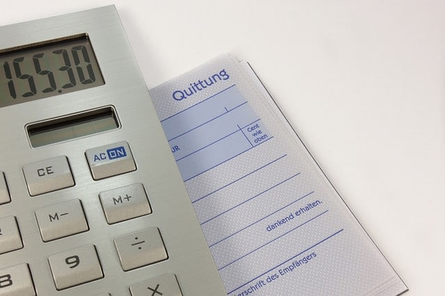 הדפסת חשבוניות ורול אפ לעסקים