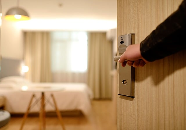 דלת של מלון