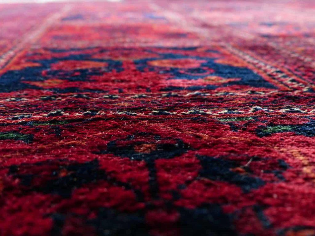 שטיח אדום וכחול