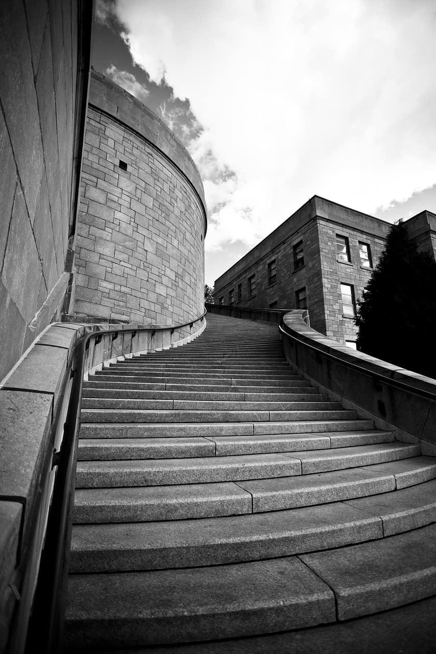 מדרגות מבטון