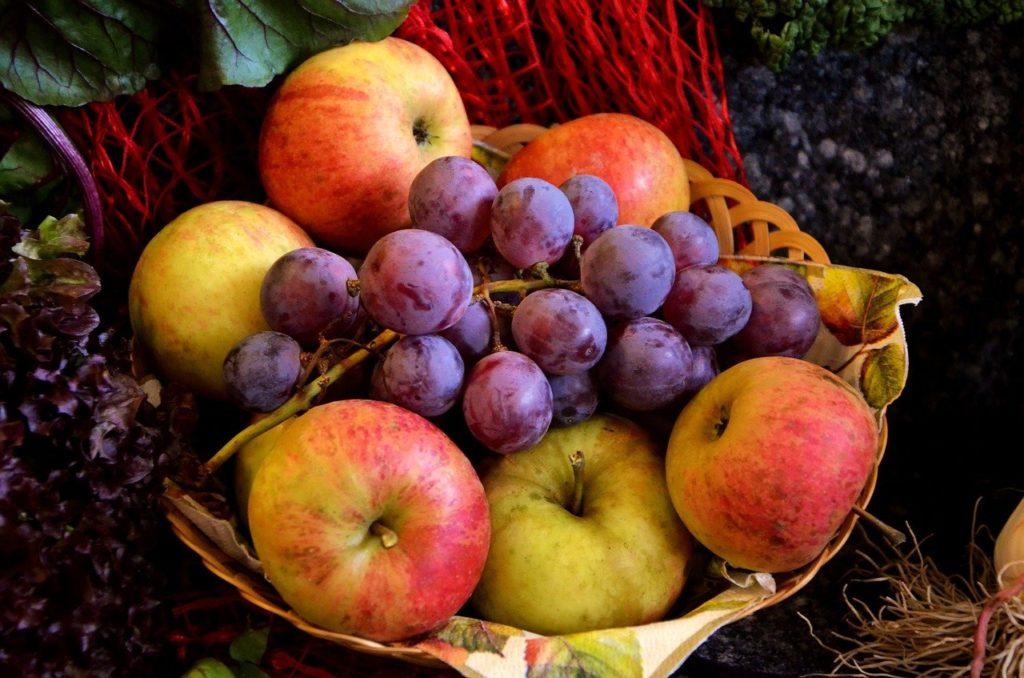 ענבים ותפוחים