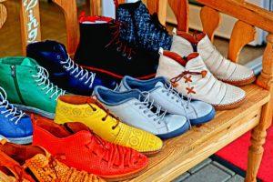 מבחר של נעליים